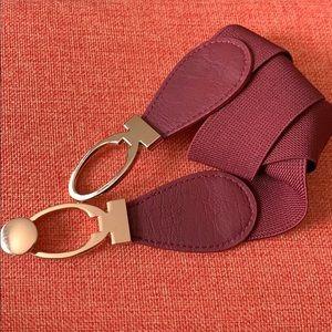 Accessories - Gorgeous burgundy elastic belt